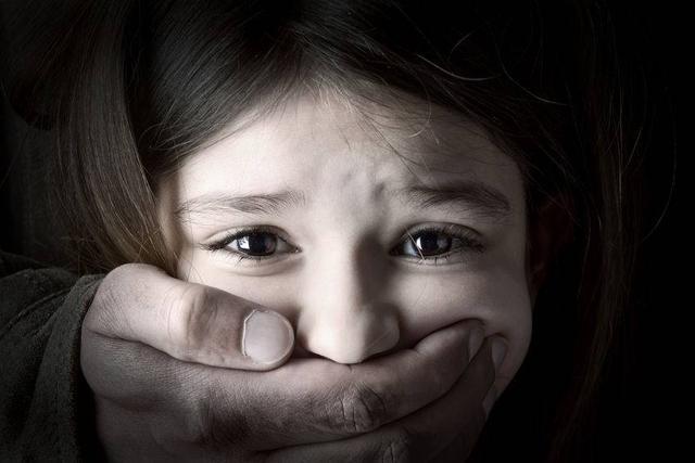 贵州18岁女生高考后遭同学围殴,医院2次昏厥,打人者至今未道歉