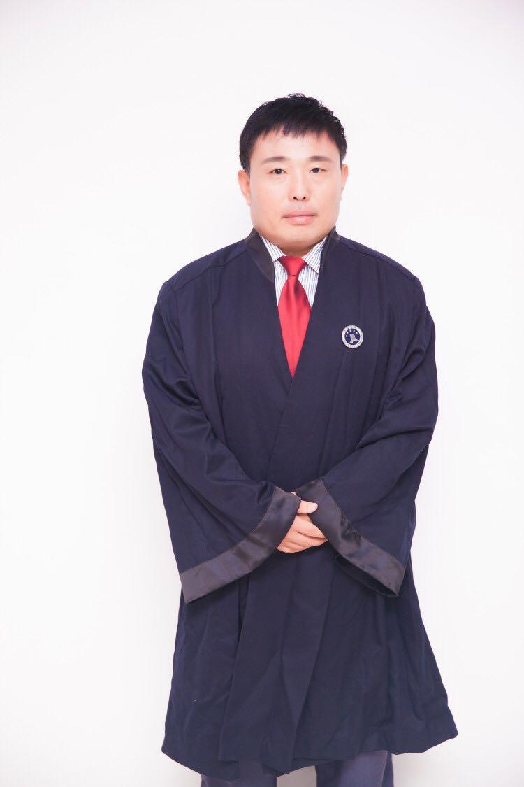 冯明伟律师