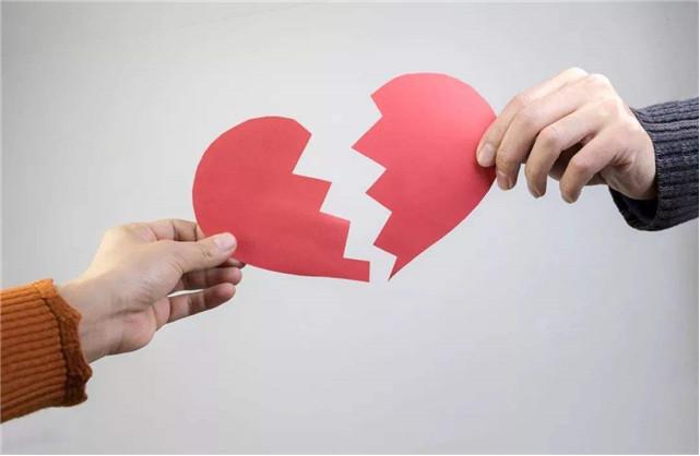"""广西一女子向法院提起离婚诉讼 被告知5年前已""""被离婚""""!"""